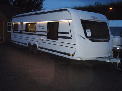 LMC 695 Vip Exquisit Tourer 5 BERTH,FIXED ISLAND BED CARAVAN WITH SEPARATE TOILET/SHOWER CUBICLE.BRAND NEW 2020 MODEL.