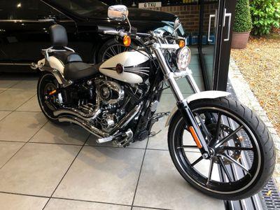 Harley-Davidson Softail Custom Cruiser 1690 Breakout