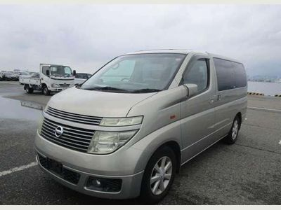 Nissan Elgrand MPV XL TOP SPEC ONLY 15500 MILES