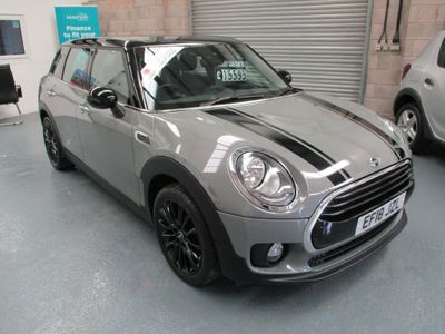 MINI Clubman Estate 1.5 Cooper Black Pack Auto (s/s) 6dr