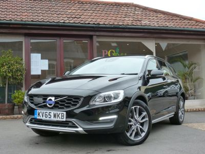 Volvo V60 Cross Country Estate 2.4 D4 Lux Nav Cross Country Auto AWD (s/s) 5dr