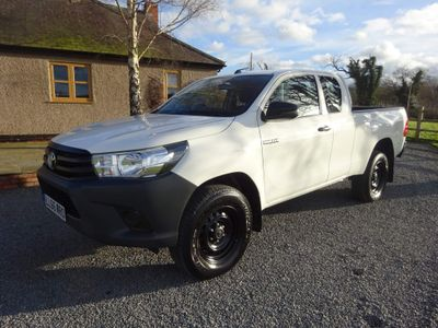 Toyota Hilux Pickup 2.4 D-4D Active Extra Cab Pickup 4WD EU6 4dr