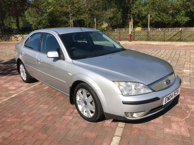 Ford Mondeo Hatchback 2.5 Ghia X 5dr