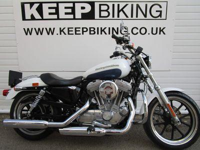 Harley-Davidson Sportster Custom Cruiser 883 XL Sportster SuperLow Custom Cruiser