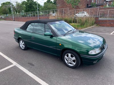 Vauxhall Astra Convertible 1.6 i Colour Edition 2dr