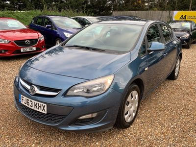 Vauxhall Astra Hatchback 1.4 16v ES 5dr