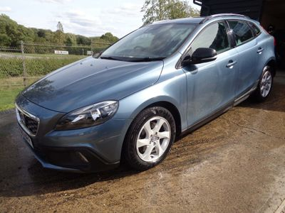 Volvo V40 Cross Country Hatchback 1.6 D2 SE Cross Country (s/s) 5dr