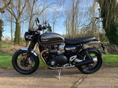 Triumph Speed Twin Roadster/Retro 1200 Speed Twin (Silver Ice/Storm Grey)