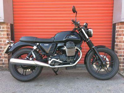 Moto Guzzi V7 Naked 750 II Stone ABS Naked