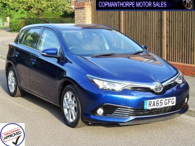 Toyota Auris Hatchback 1.2 VVT-i Business Edition (s/s) 5dr (Safety Sense)