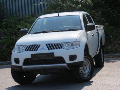 Mitsubishi L200 Pickup 2.5 DI-D CR 4Work LB Double Cab 4WD 4dr (EU5)