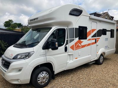 Swift Edge 486 Unlisted DELIVERY POSSIBLE 6 BERTH 6 SEAT BELTS