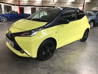 Toyota AYGO Hatchback 1.0 VVT-i x-cite 3 Yellow Bi-Tone 5dr