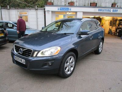 Volvo XC60 SUV 2.4 D5 SE Lux Geartronic AWD 5dr