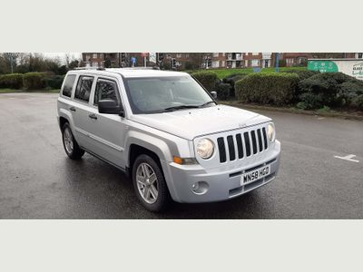 Jeep Patriot SUV 2.4 Limited 4x4 5dr