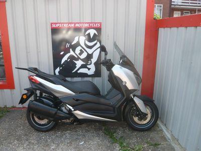 Yamaha X-MAX Scooter 300