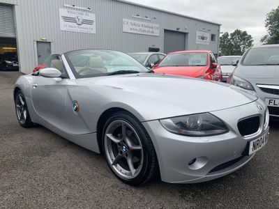 BMW Z4 Convertible 2.2 i SE Roadster 2dr