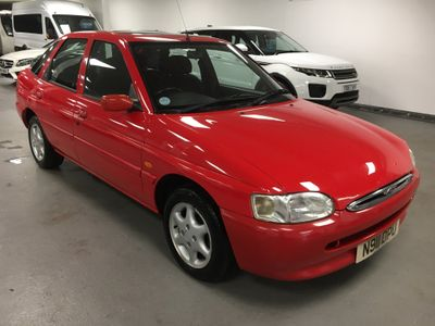 Ford Escort Hatchback 1.6 16v Ghia 5dr