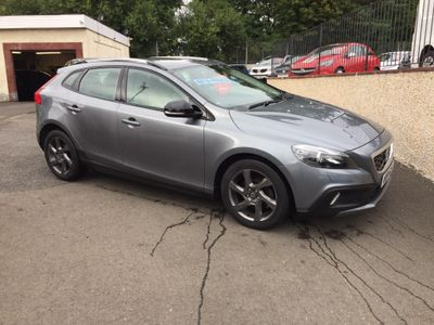 Volvo V40 Cross Country Hatchback 1.6 D2 Lux Nav Cross Country (s/s) 5dr