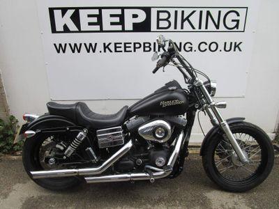 Harley-Davidson Dyna Custom Cruiser 1584 FXDB Street Bob