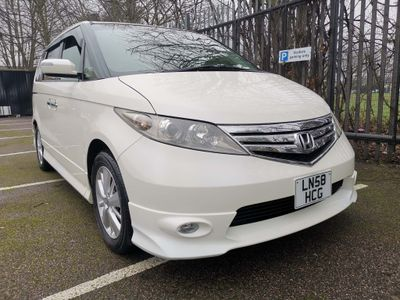 Honda Elysion MPV 8 Seater 2.4 Petrol Metallic White