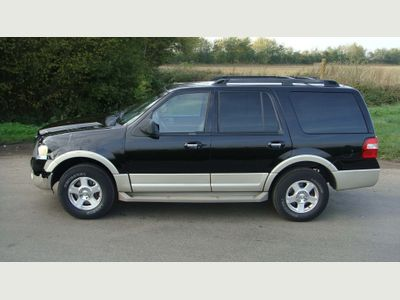 Ford Expedition SUV LEFT HAND DRIVE AUTOMATIC AIRCON LEATHER