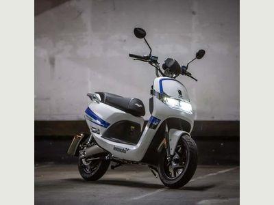 Lexmoto Impulse 1500W Moped