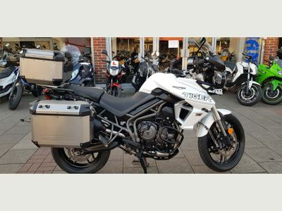 Triumph Tiger 800 Adventure 800 XRT Expedition