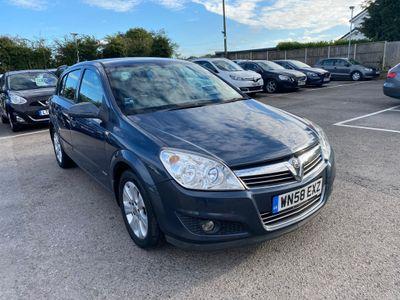 Vauxhall Astra Hatchback 1.4 i 16v Breeze Plus 5dr