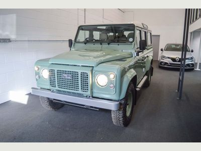 Land Rover Defender 110 SUV 2.2 D Heritage Edition Station Wagon 5dr