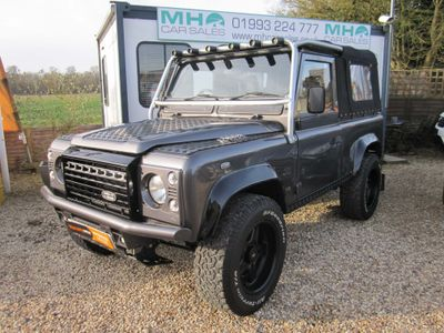 Land Rover Defender 90 Convertible V8 AUTOMATIC ICON DEFENDER