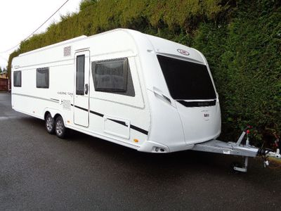 LMC 740 MAESTRO Tourer 7 BERTH,FIXED BED/FIXED BUNK BEDS IN EXCELLENT CONDITION.