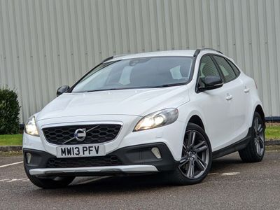 Volvo V40 Cross Country Hatchback 2.0 D3 Lux Cross Country (s/s) 5dr