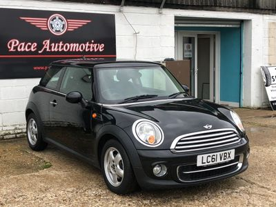 MINI Hatch Hatchback 1.6 Cooper D Avenue 3dr