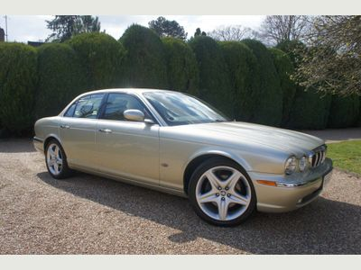 Jaguar XJ Saloon 3.0 Executive 4dr