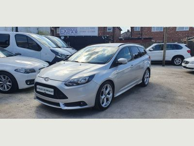 Ford Focus Estate 2.0 T ST 5dr