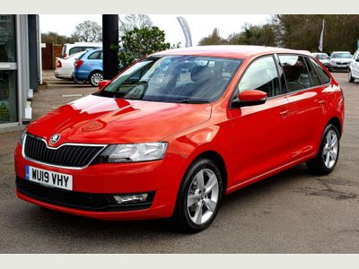 SKODA Rapid Spaceback Hatchback 1.0 TSI SE Tech Spaceback (s/s) 5dr