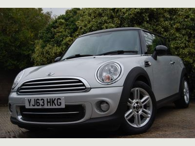 MINI Hatch Hatchback 1.6 Cooper (Sport Chili) 3dr