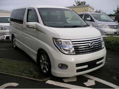 Nissan Elgrand MPV 3.5 Highwaystar , leather, 4x4