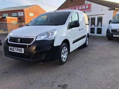 Peugeot Partner Panel Van 1.6BlueHDi 100BHP (EU6) SE L1 5 Door Van
