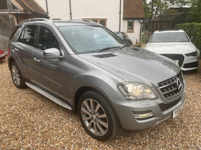 Mercedes-Benz M Class SUV 3.0 ML300 CDI BlueEFFICIENCY Grand 4x4 5dr