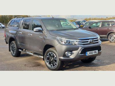 Toyota Hilux Pickup 2.4 D-4D Invincible X Double Cab Pickup Auto 4WD EU6 4dr (TSS)
