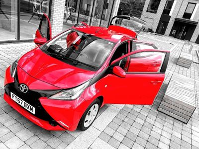 Toyota AYGO Hatchback 1.0 VVT-i x-play 5dr