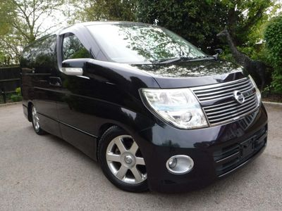 Nissan Elgrand MPV Highway Star 2.5 v6 Tiptronic 7Seats