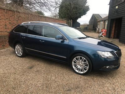 SKODA Superb Estate 2.0 TDI Elegance 5dr