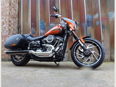 Harley-Davidson Softail Custom Cruiser 1750 Sport Glide