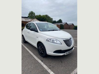 Chrysler Ypsilon Hatchback 1.2 S (s/s) 5dr