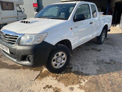 Toyota Hilux Pickup 2.5 D-4D Active Pickup 4WD 2dr (VSC)