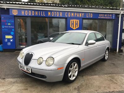 Jaguar S-Type Saloon 2.5 V6 SE Plus 4dr
