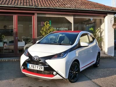 Toyota AYGO Hatchback 1.0 VVT-i x-press 5dr